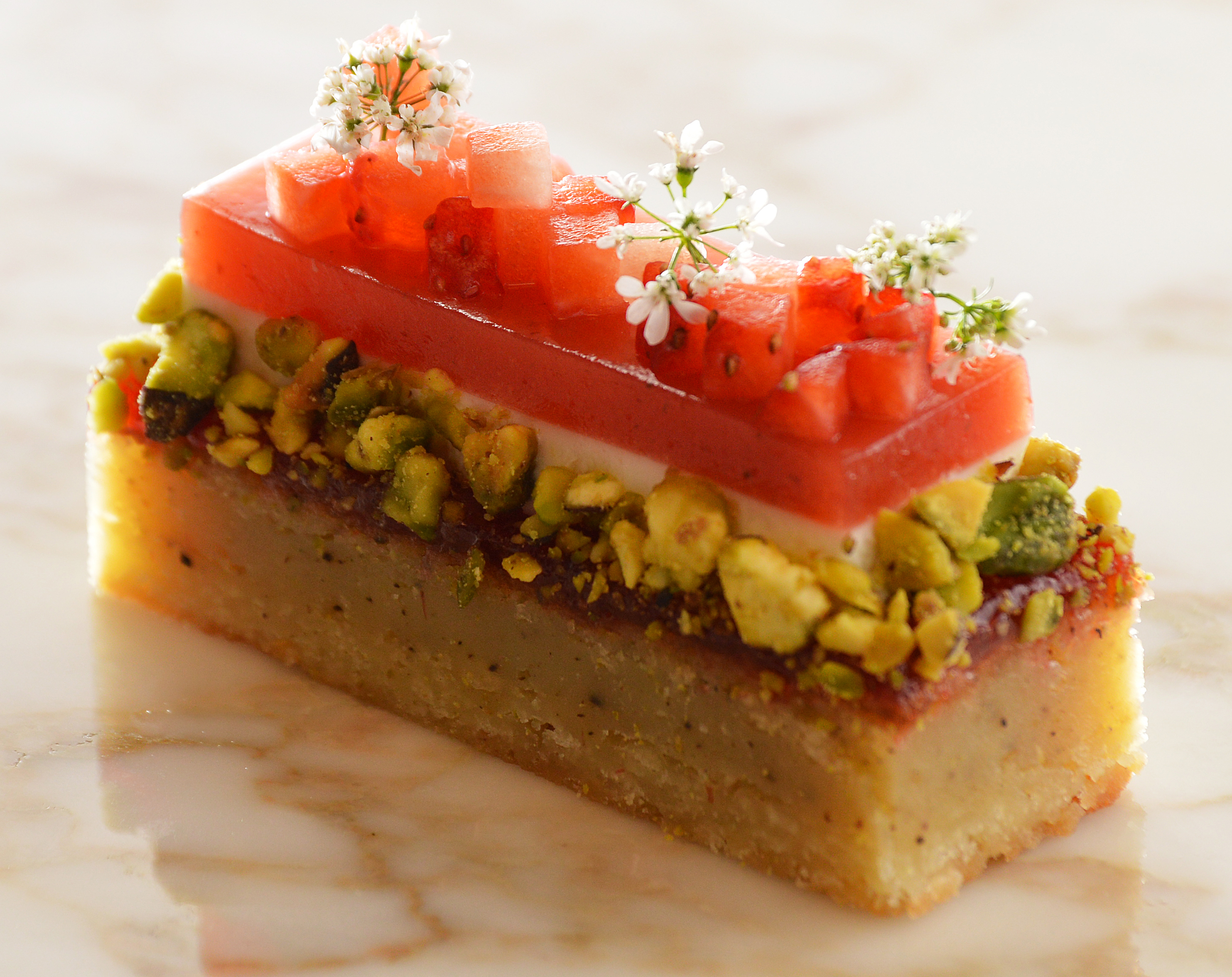strawberry black pepper petit gateau
