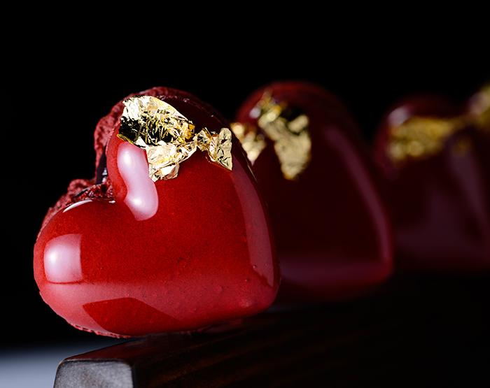 bleeding heart macaron