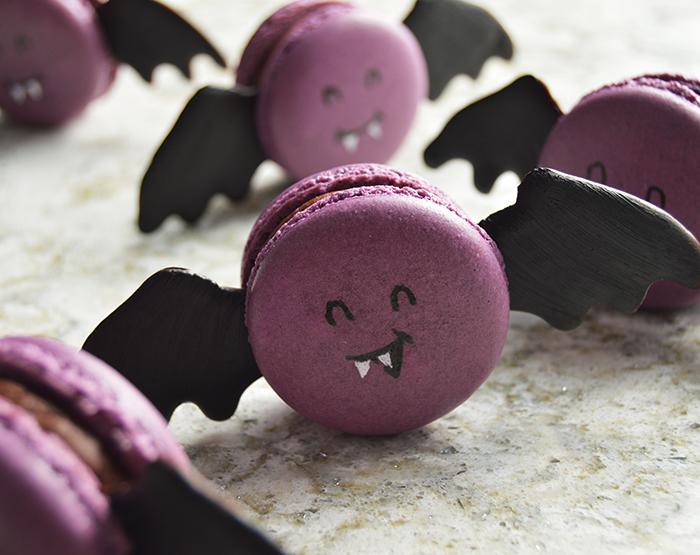 bat macaron: The Bat-caron